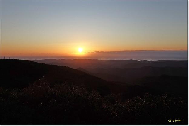 写真: 伊勢志摩の夜明け