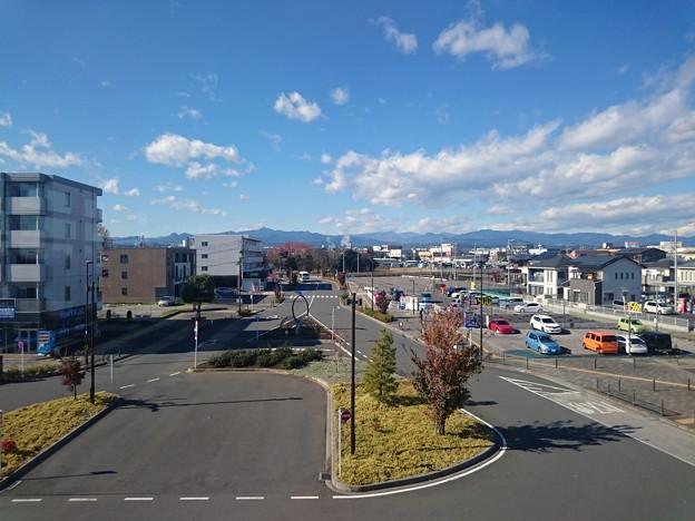 駅舎からの眺め [JR東日本 箱根ヶ崎駅]