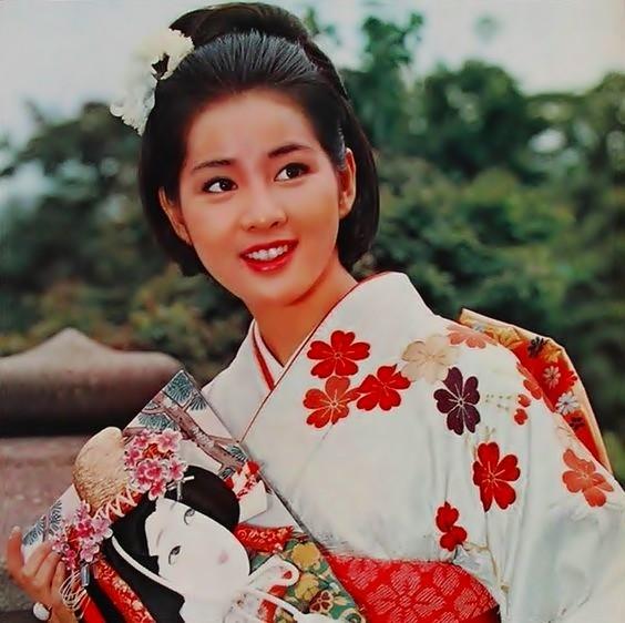 Yoshinaga Sayuri(01)