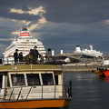 Photos: 観光船