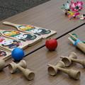 Photos: けん玉と羽子板