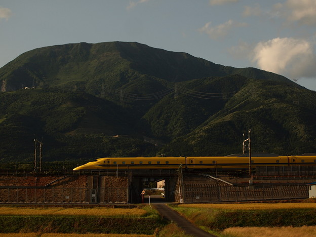 写真: ドクターイエロー 東海道新幹線米原~岐阜羽島