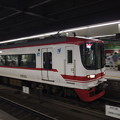 写真: 名鉄1700系特急 名鉄名古屋本線金山駅