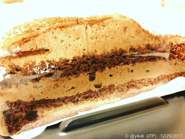 ショコラ ~チョコ断面~苺ショートケーキのもう1コのケーキ(^O^)
