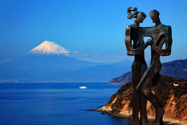 Photos: 恋人岬から望む
