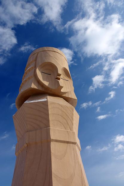 写真: 巨大ニポポ人形(2)