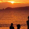 沖合いの相島に沈む夕陽がきれい。 #宮地嶽神社光の道 #10月 #嵐 #光のみち #ネコ島 #Ainoshima