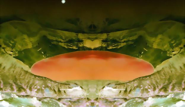 写真: カルデラ湖-02b