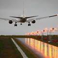 写真: 雨の空港