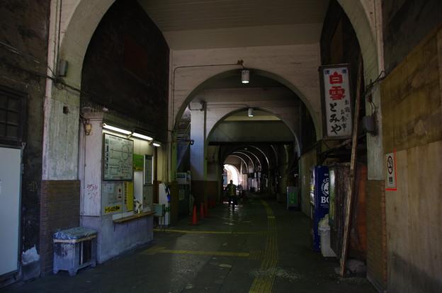 国道駅のアーケード