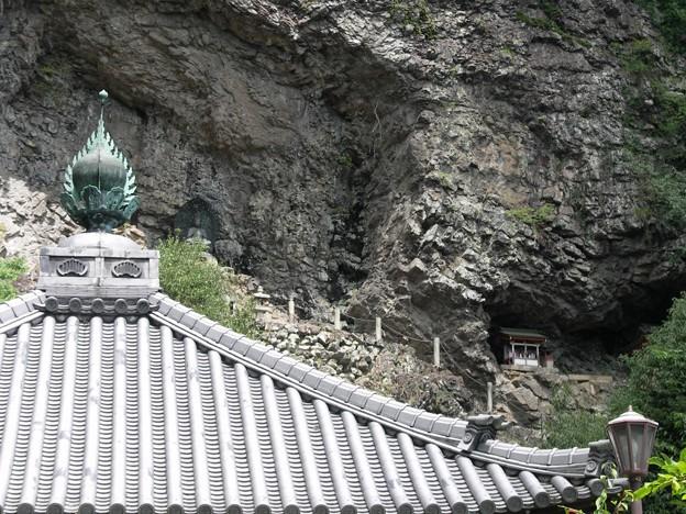 般若窟:宝山寺15