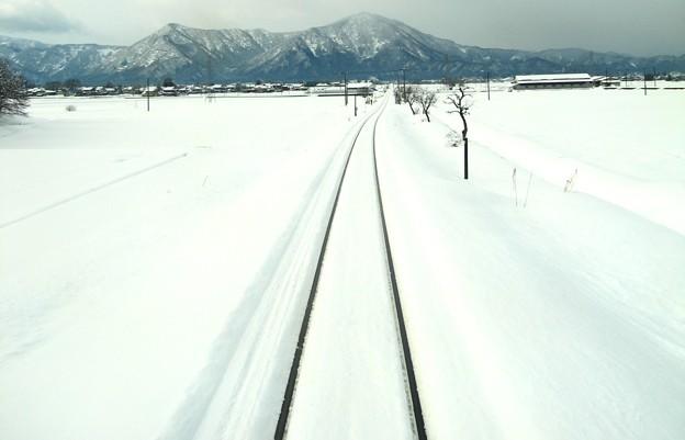写真: 雪国ローカル線16
