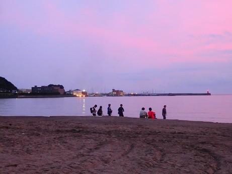 逗子海岸~曇りの夕暮れ