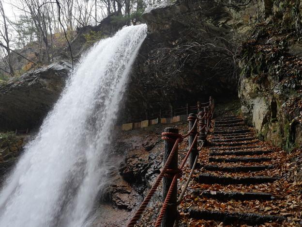 雷滝(信州・高山村の隠れた名所)3