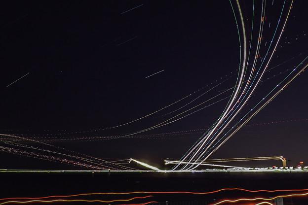 写真: 競演「光跡」