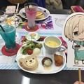 友人と台風の中、あんスタカフェ行ってきました!一緒に写真撮る用のパネルまで用意されてて写真撮るの楽しかった♪( ´▽`)