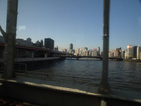 新宿さざなみ号の車窓