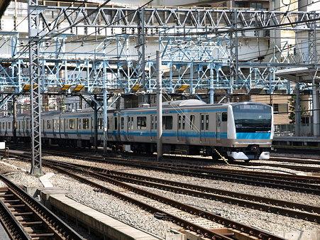 E233系京浜東北線(横浜駅)
