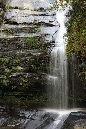 つがね落しの滝