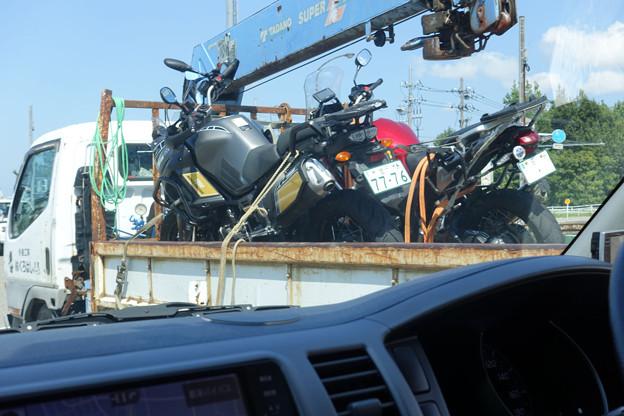 ユニック車で搬送