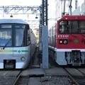 写真: 都営12-351F・E5001 2並び