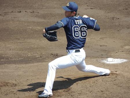 吉田凌投手。