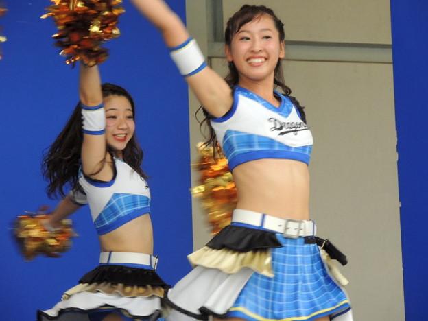 写真: 向井さんと藤倉さん。