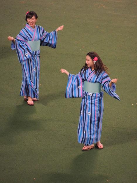 写真: 中村さんと向井さん。