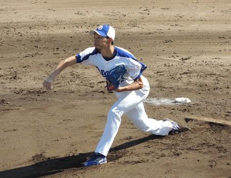 打撃投手を務めます。