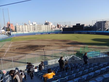 ナゴヤ球場。