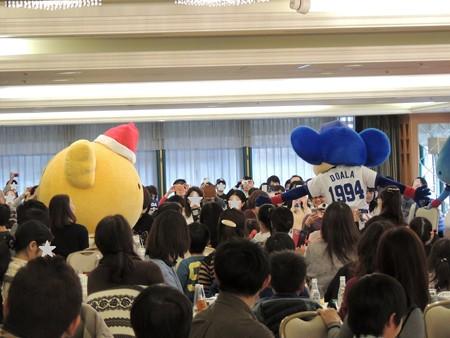 12/17(日) ひみつのお菓子パーティーにマーチくん登場! で、ドアラたちと夢をかなえましょう。
