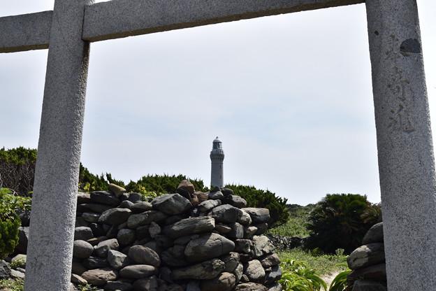 鳥居から灯台
