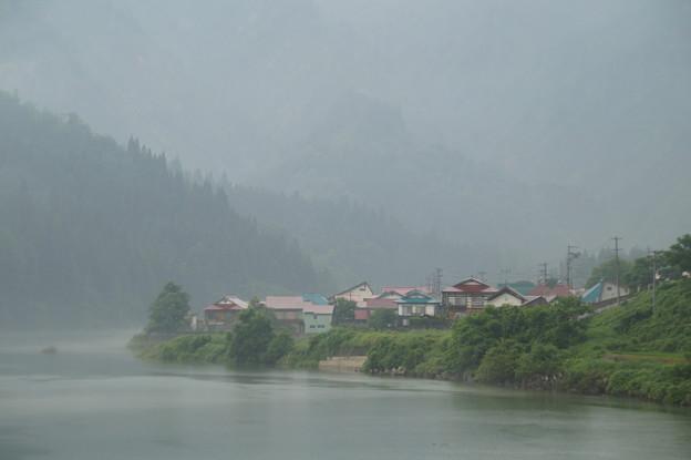 只見川の川霧 3