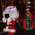写真: むすび丸サンタと政宗サンタ
