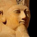 写真: 王の立像6)