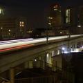 写真: 光芒フェードイン…早朝の『特急・羽田空港行き』