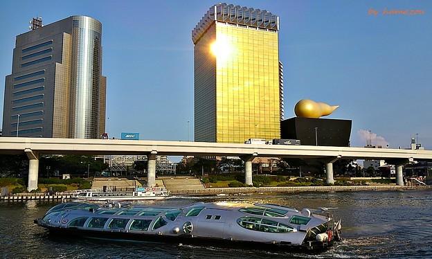 黄金の未来都市