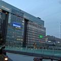 写真: 黄昏の新宿摩天楼