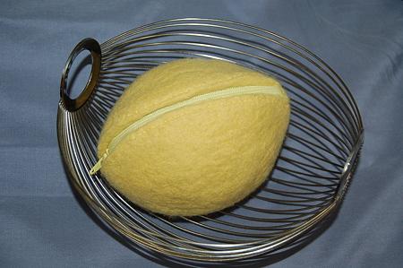 ハンドメイドフェルトで作るレモンポーチ