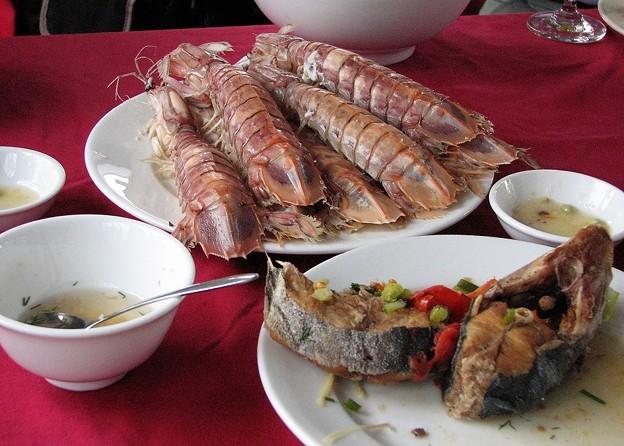 「船上での食事(2)」