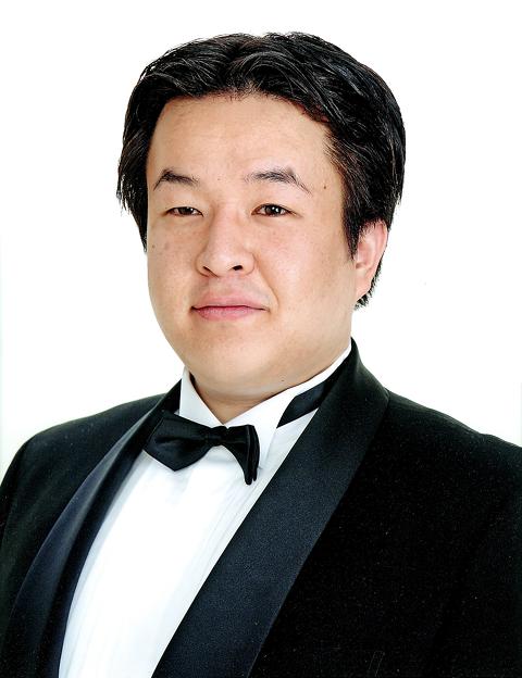 写真: 平岡基 ひらおかもとい 声楽家 オペラ歌手 バリトン     Motoi Hiraoka