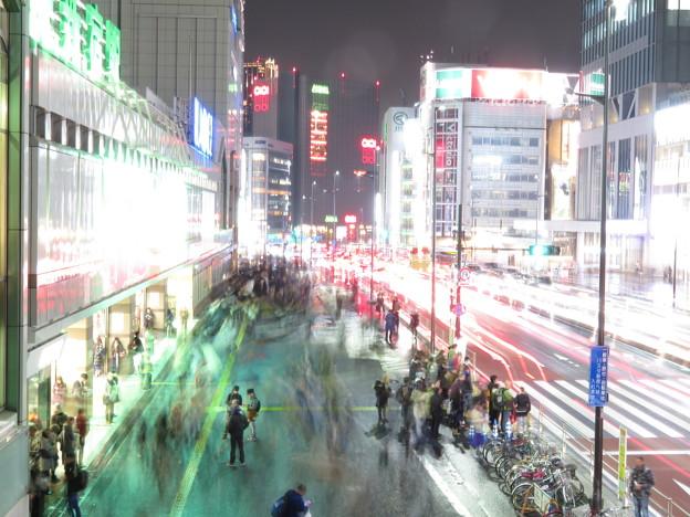 新宿駅南口(夜)
