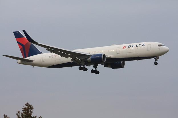 デルタ航空 ボーイング767-300ER N155DL