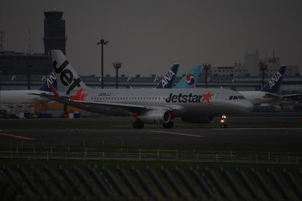 ジェットスタージャパン エアバスA320-200 JA15JJ