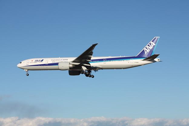 全日空 ANA ボーイング777-300ER JA782A (1)