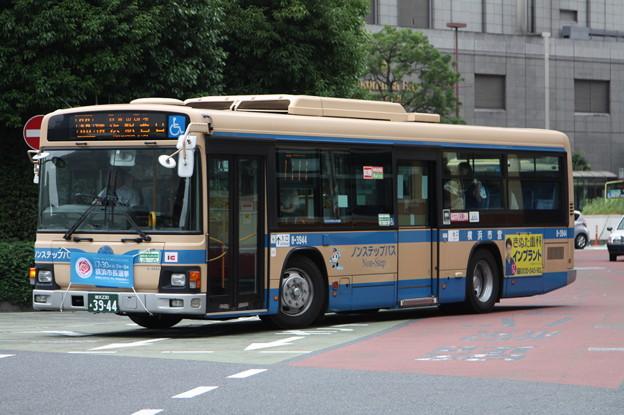 横浜市営バス 8-3944号車
