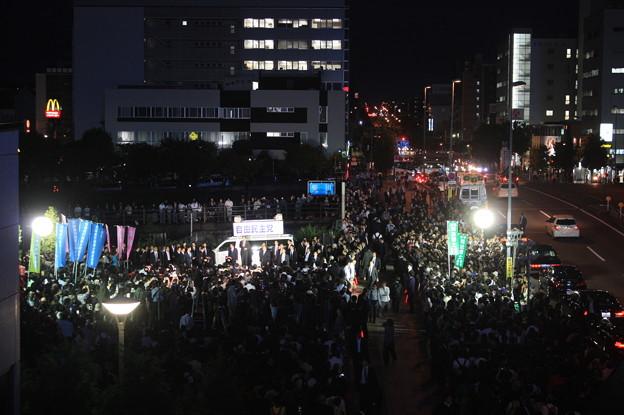 水戸駅南口で行われた安倍首相の街頭演説 (1)