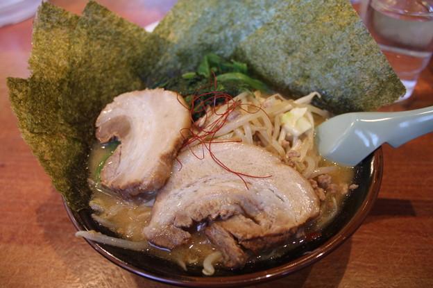 横濱家系ラーメン 味噌ラーメン 海苔&チャーシュー トッピング