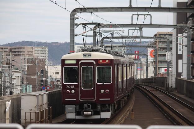阪急宝塚線 7000系7015F 回送