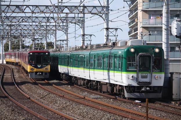 京阪本線 2600系2601F 回送 (1)